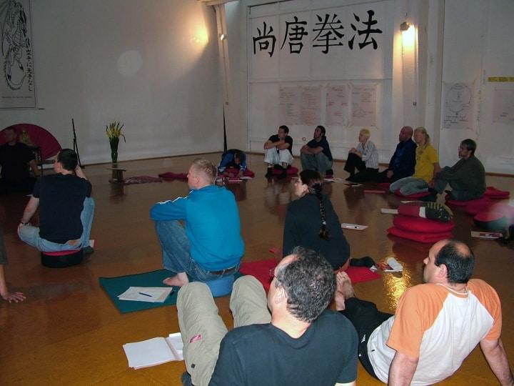 Fleißig lernend und später lehrend – Budo-Pädagogik Weiterbildung