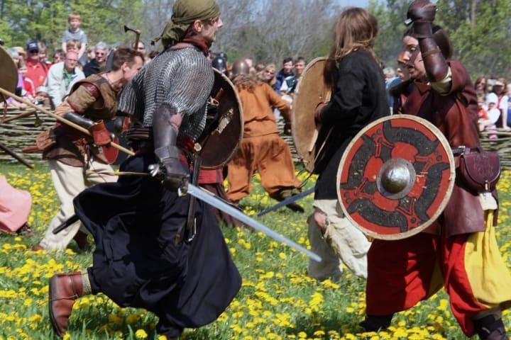 Auch weibliche Wikinger Kriegerinnen waren in der Schlacht keine Seltenheit